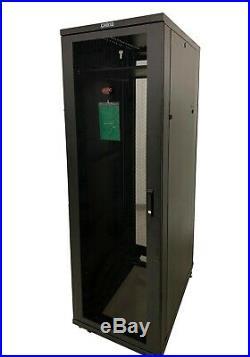 APC AR2400 NetShelter SV 42U Server Rack Cabinet Deep Enclosure with Side Panels