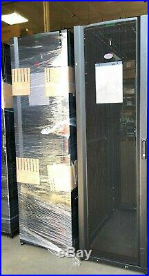 APC AR3300 42U NetShelter SX Enclosure Server Rack Cabinet with Panels & Key