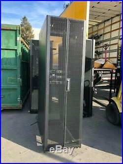 APC Dell AR3100X717 42U Data Center Rack NetShelter SX Server Cabinet AR3100