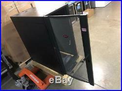DENT! APC NetShelter AR3104 24U Server Rack Cabinet Enclosure 600mmx1070mm 19W