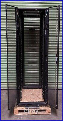 Dell EMC APC NetShelter SX 42U Rack Server Cabinet Enclosure AR3100X717
