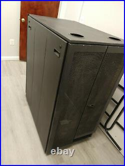 Dell PowerEdge 24U Server Rack Enclosure Cabinet Good condition with wheels