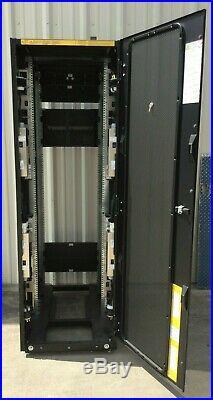 Emc2 T-rack1 100-885-137 100-885-138 071-000-522 Server Cabinet Rack Enclosure