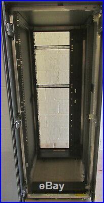 Fujitsu PrimeCenter Rack 38HE/1000 38U Server Rack Cabinet Enclosure + Sides