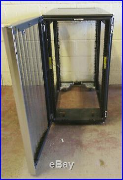 HP 10622 G2 22U 19 Server Rack Cabinet Enclosure Network NO SIDES / REAR DOOR
