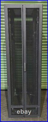 HP 10642 42U Server Rack Cabinet Enclosure With Side Panels 245169-001