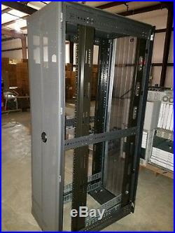 HP 10642 G2 42U Rack Cabinet Enclosure with Doors 383573-001 with key