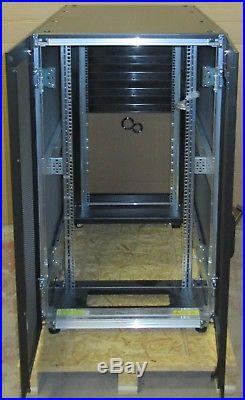 NEW Fujitsu Primecentre 24U M1 Server Rack Cabinet Enclosure S26361-K827-V220